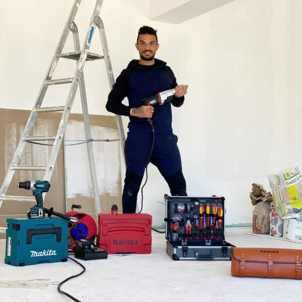 Julien Tanti a annoncé qu'il se mettait à faire des travaux dans sa maison
