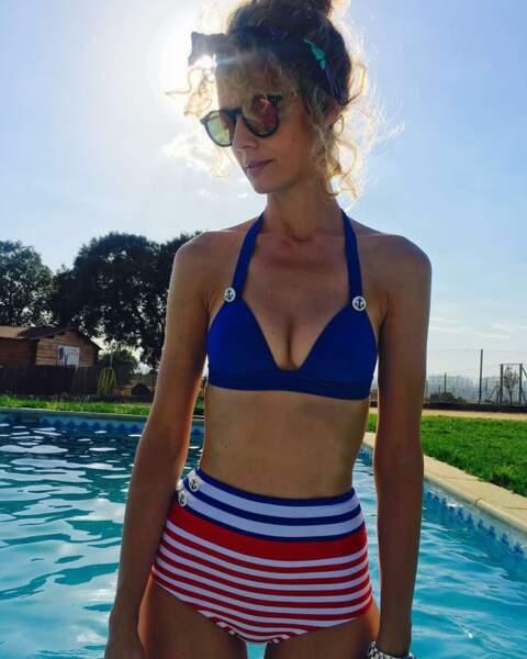Un maillot de bain bleu blanc rouge, Esther enverrait-elle un message à ses fans Français ?