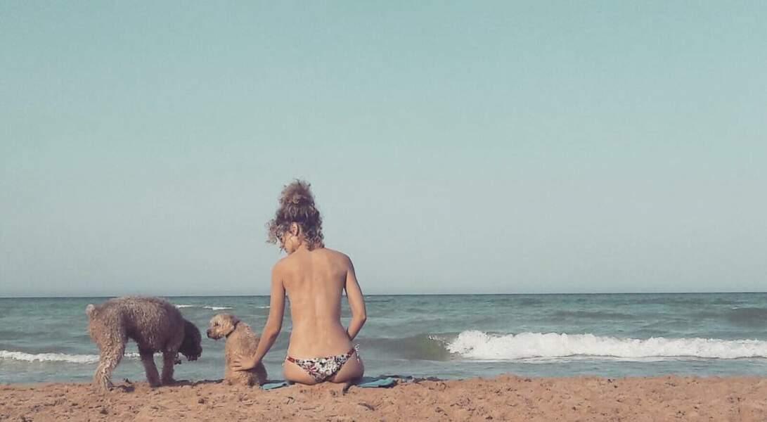... Et quand elle part à la plage, aussi !