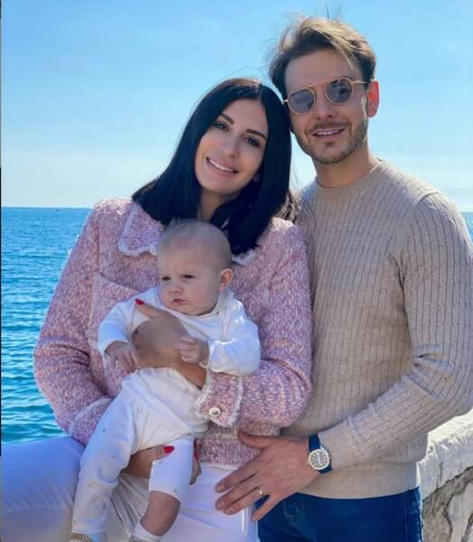 Martika (Mamans et Célèbres) a, elle aussi posé avec sa jolie famille