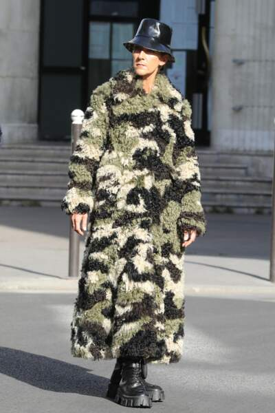 Dans un manteau de camouflage, on t'a quand même reconnue, Céline !