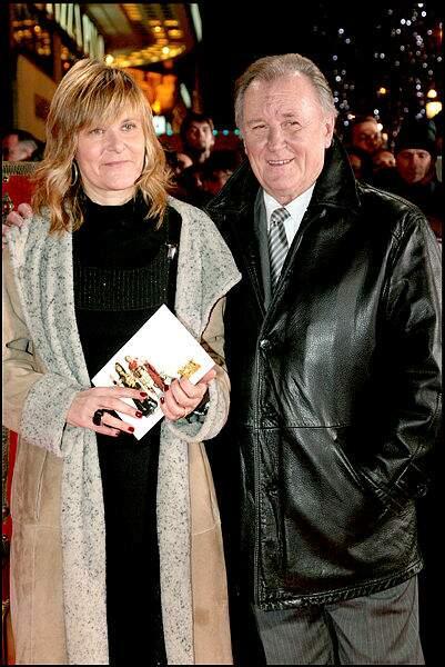 Père et fille à l'avant-première du film Astérix aux Jeux Olympiques.