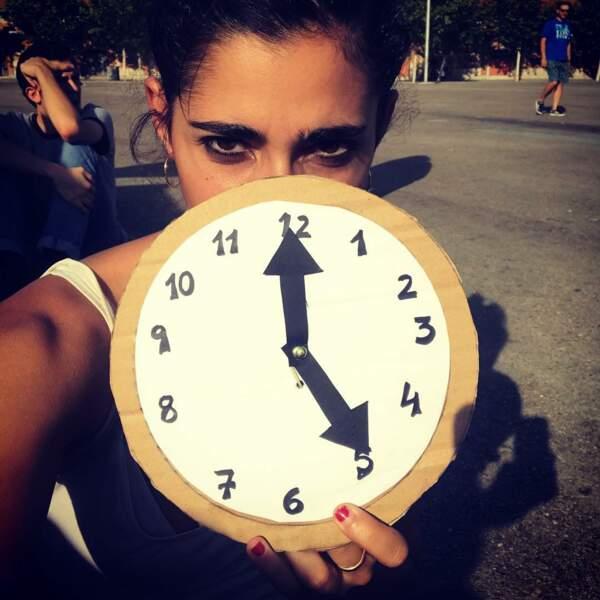 Euhhh... c'est un nouveau modèle de montre ou l'annonce de l'heure de la sortie de la saison 4 de La Casa de Papel ?
