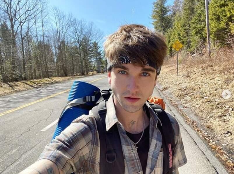 Gabriel-Kane Day-Lewis s'est isolé dans les montagnes Catskill pour faire de la randonnée.