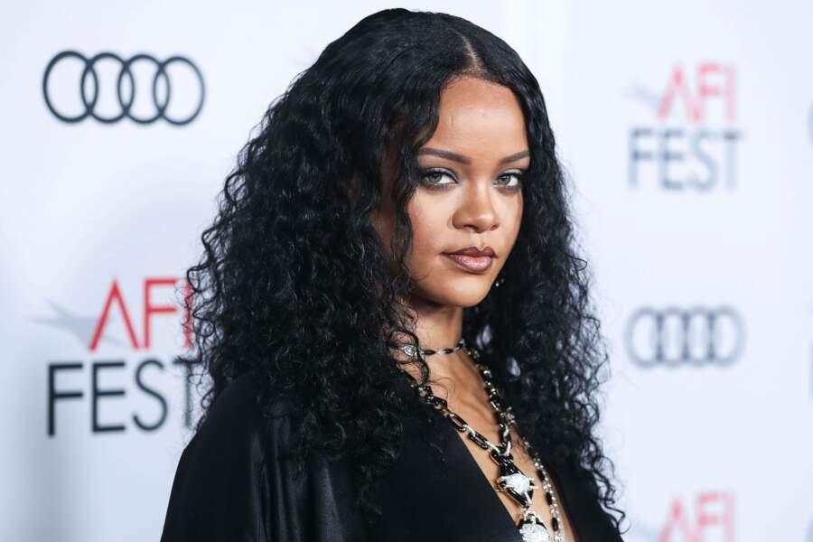 Rihanna, grâce à sa fondation, Clara Lionel, offre 5 millions de dollars pour lutter contre l'épidémie