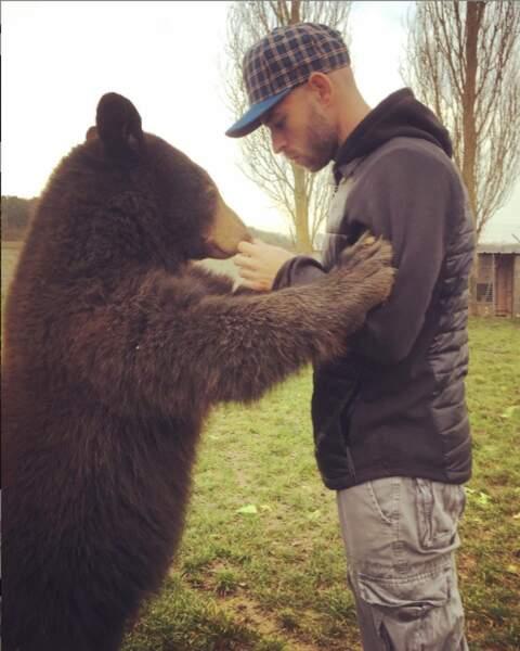 Lui un ours mal léché ? Jamais !