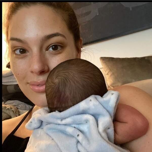 Le mannequin Ashley Graham et son bébé