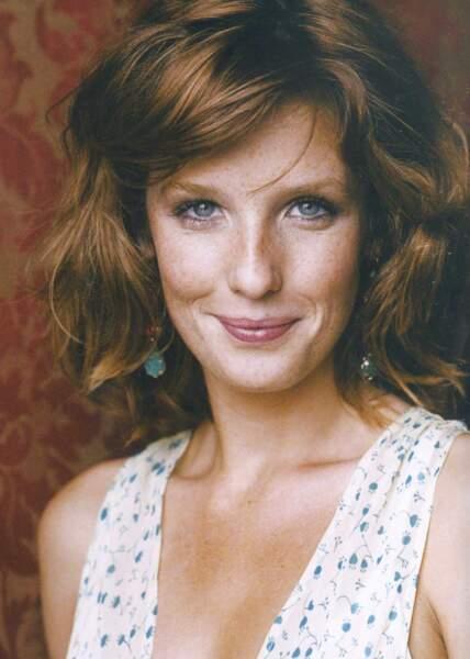 Kelly Reilly interprète l'étudiante britannique Wendy. Son personnage vivra une belle histoire d'amour avec Xavier et ils auront deux enfants.