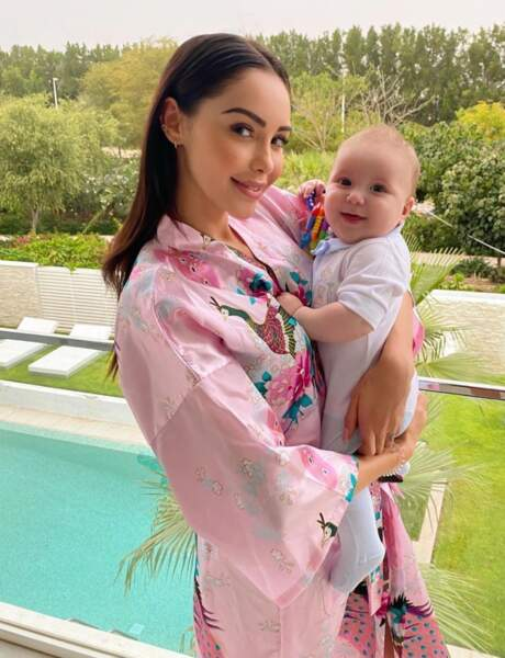 Nabilla est heureuse d'être confinée avec son fils