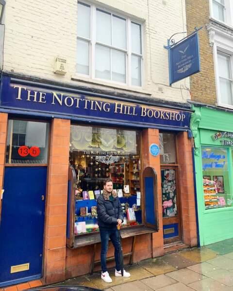 ... de ses parcours touristiques (passage obligé devant la librairie qui a servi de décor au film Coup de foudre à Notting Hill)...
