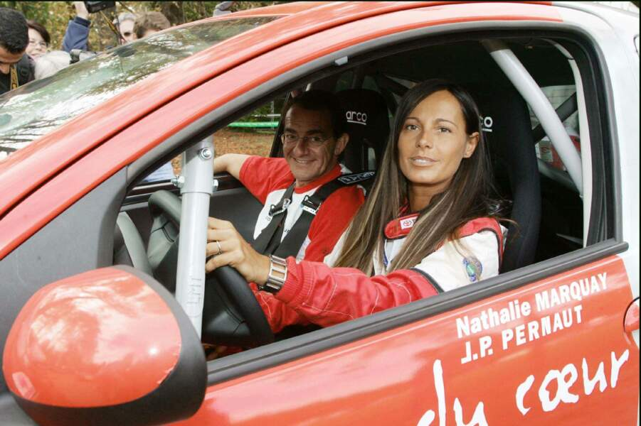 Le couple est passionné de courses automobiles; ici au Rally Aygo Celebrity Tour en 2005