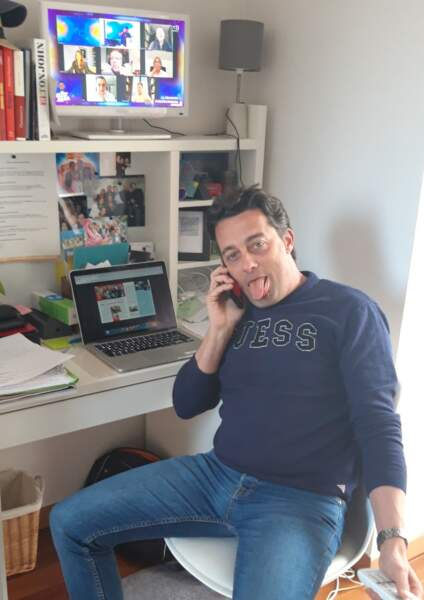 François, l'un de nos rédacteurs en chef adjoint, confiné, connecté... mais épuisé !