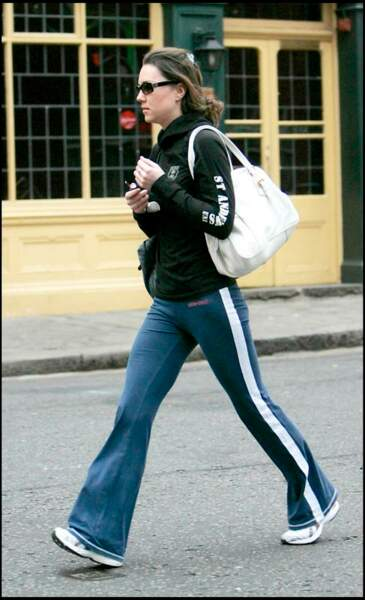 Marche sportive pour se rendre à son cours de gym.