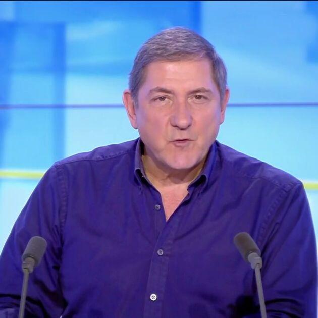 """Yves Calvi s'excuse après ses propos tenus contre le milieu hospitalier dans L'info du vrai : """"C'était déplacé et idiot"""""""