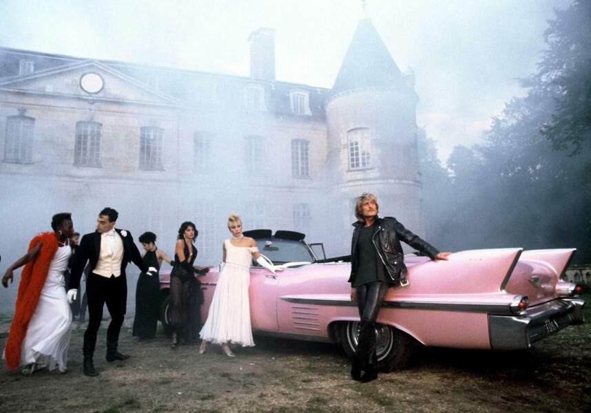 Une image de dandy à son apogée, entre château et limousine rose, pour un émission de TF1 en 1983.