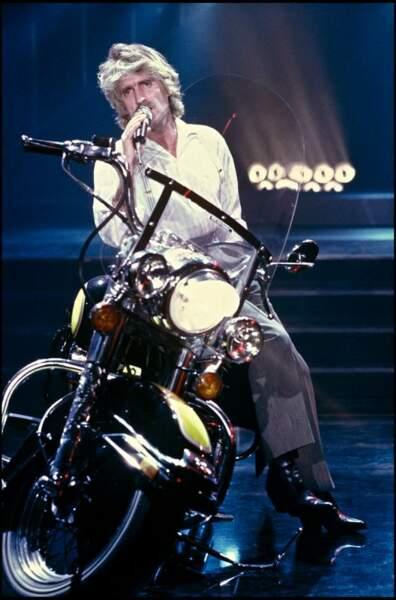 Christophe en 1985 sur un plateau de télévision.