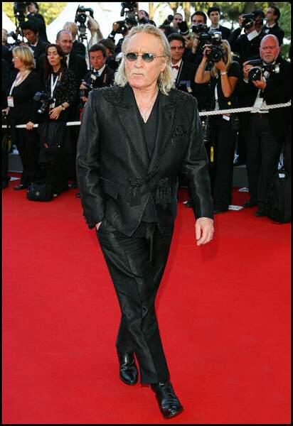 """Passionné de cinéma, Christophe a peu travaillé pour le septième art, sinon pour """"Quand j'étais chanteur"""" en 2006 où il apparaît. Le film est présenté à Cannes."""