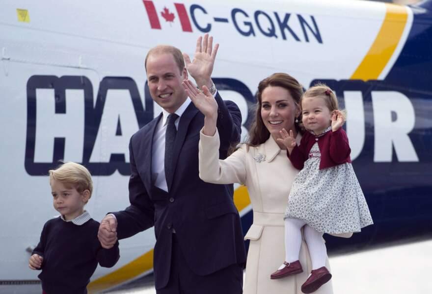 Toute la famille s'apprête à partir pour Victoria, capitale de la Colombie-Britannique : il est temps de dire au revoir !