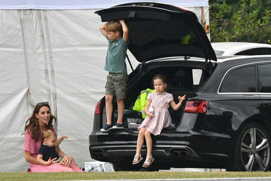 La duchesse de Cambridge redevient une maman (presque) comme les autres à l'occasion du King Power Royal Charity Polo Day à Wokingham