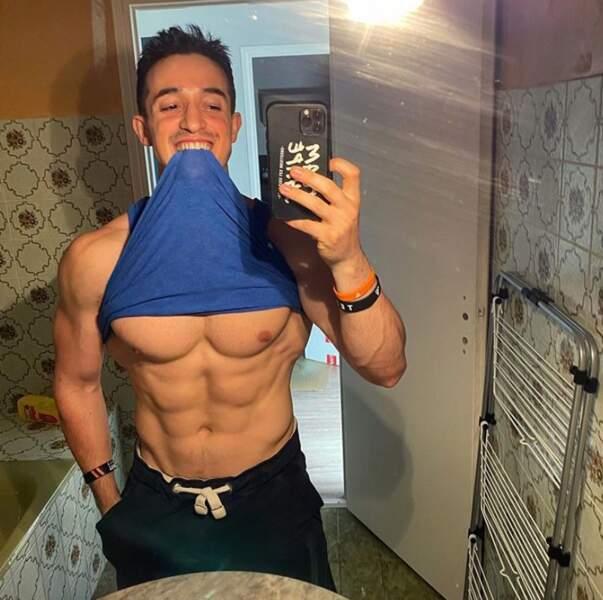 Selfie 100% abdos pour Tibo Inshape.