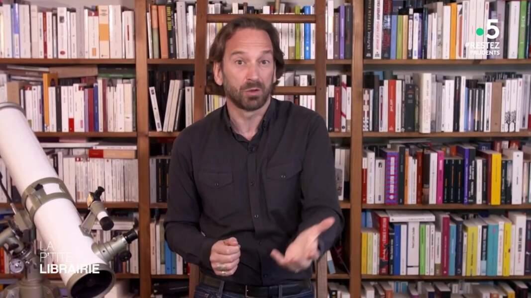 ... et la collection de livres de François Busnel.