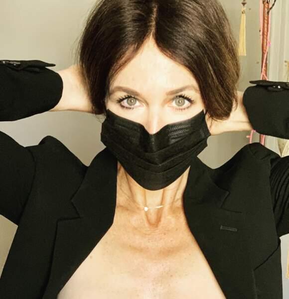 Elsa Zylberstein ou la preuve qu'on peut être sublime aussi avec un masque