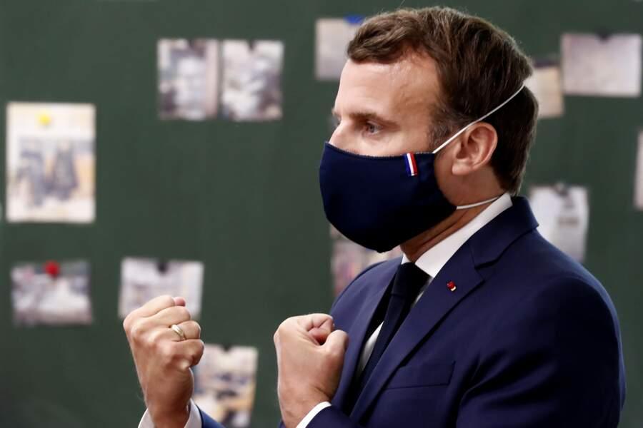 Cocorico pour le masque orné du drapeau français d'Emmanuel Macron