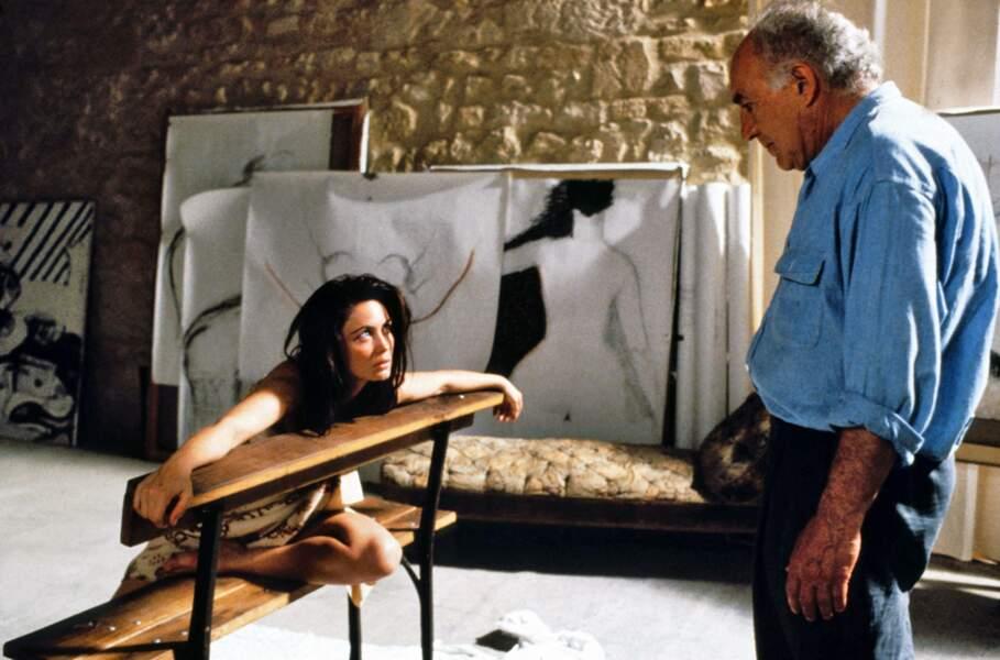 """Piccoli interprète un artiste peintre dans """"La Belle Noiseuse"""" (1991) incarnée par Emmanuelle Béart"""