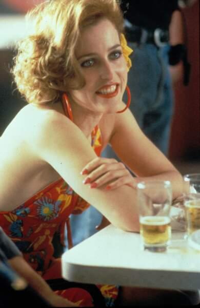 """Pour le film """"That Mighty celt"""" de robert Carlyle,  Gillian Anderson adopte un tout autre style"""