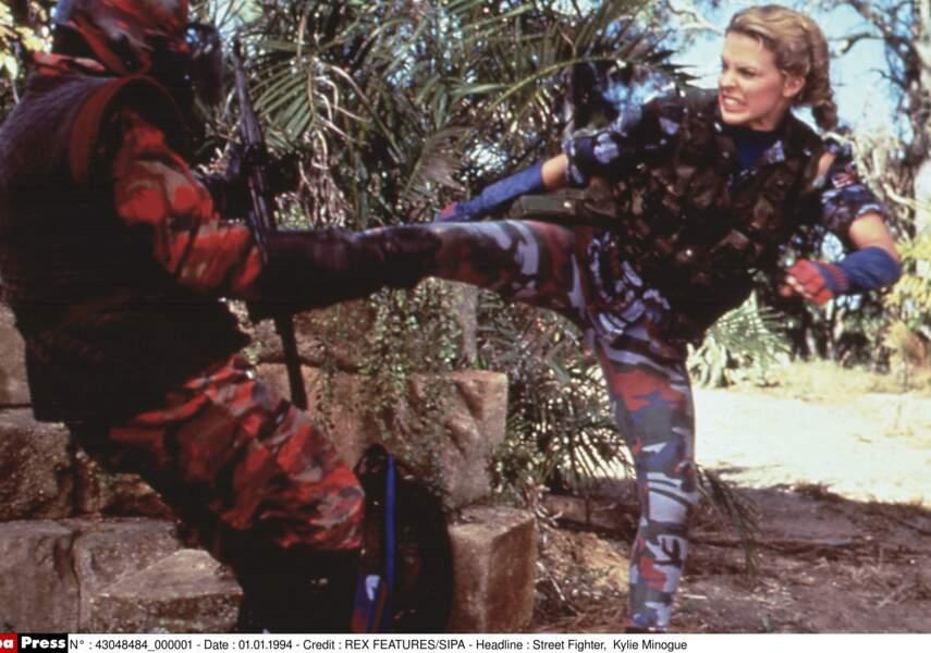 """Kylie Minogue se donne à fond dans """"Street fighter"""" en 1994 avec Jean-Claude Vandamme"""