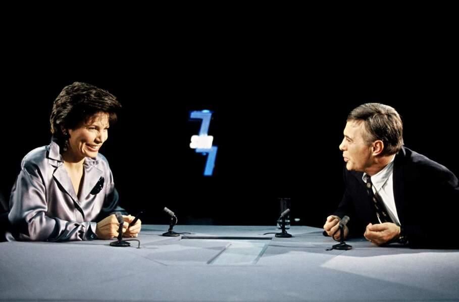 Sur le mythique plateau de l'émission 7/7  sur TF1 aux côtés d'Anne Sinclair (1993)