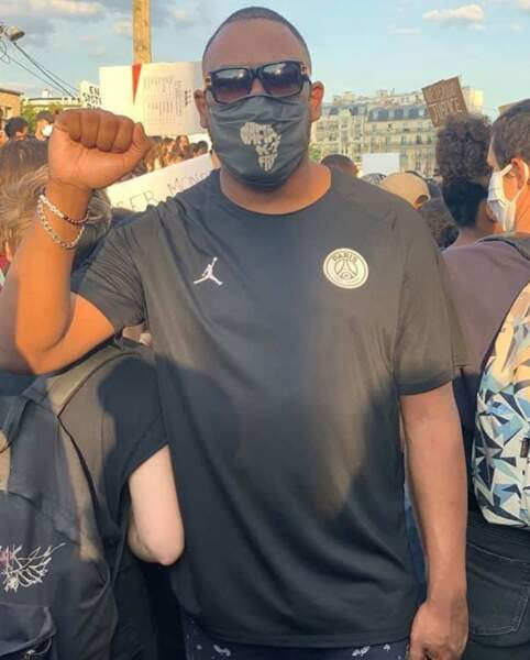 On a ainsi vu Mokobé du 113 apporter son soutien à la famille d'Adama Traoré à Paris.