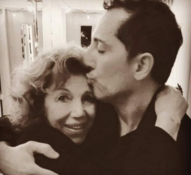 Gad Elmaleh et sa mère réunis pour un tendre cliché