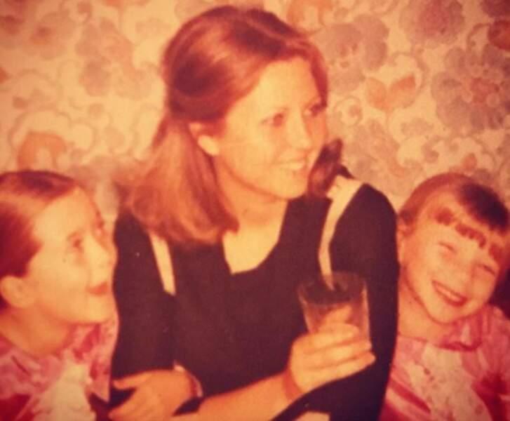 Cécile Bois, la star de Candice Renoir, a opté pour un cliché vintage de sa maman