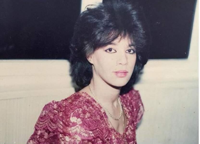 Amel Bent a dévoilé une photo vintage de sa maman : quel style !