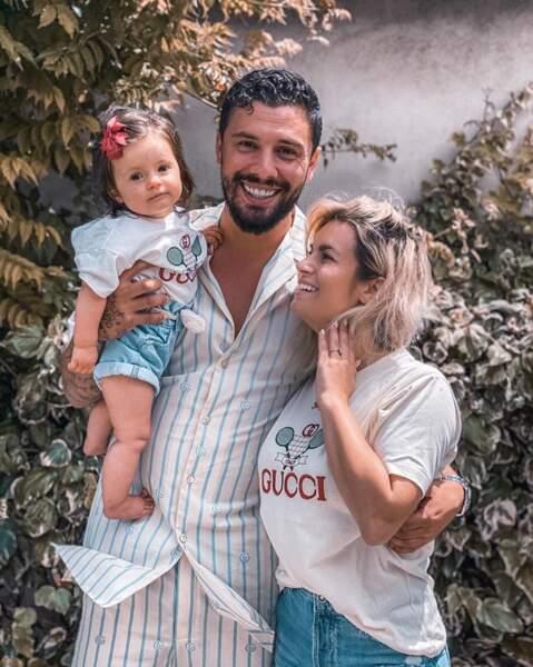 Photo de famille pour Carla Moreau, Kevin Guedj et Ruby.