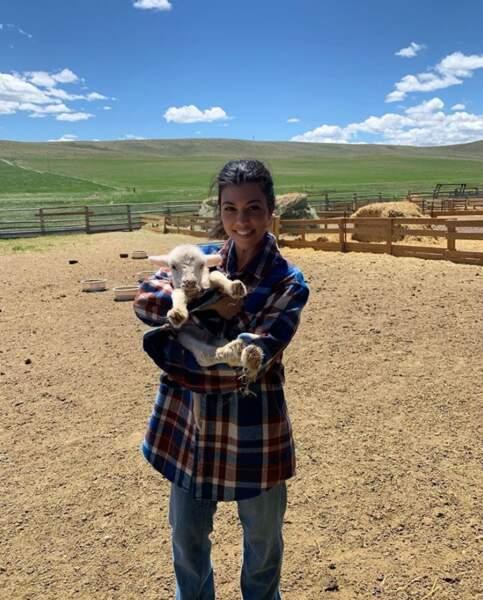 Kourtney Kardashian a fait une belle rencontre à la ferme.