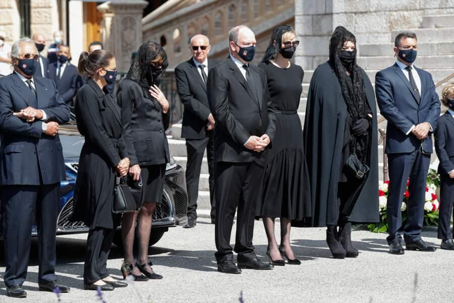 Les Grimaldi , proches également de leur cousin Jean-Léonard (à droite), le fils aîné de la défunte