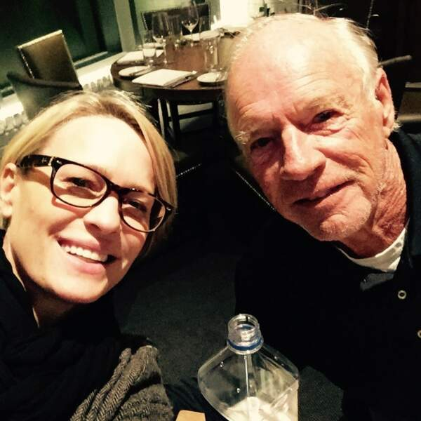 Il y a comme un air de famille entre Robin Wright (House of Cards) et son papa, non ?