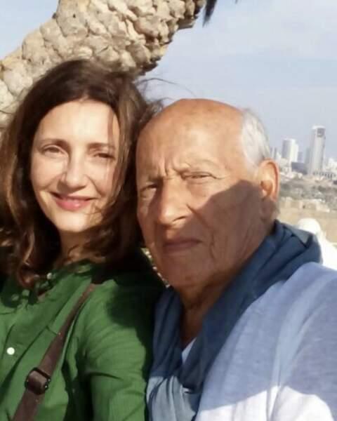 Pas de scènes de ménages entre  Valérie Karsenti et son papa