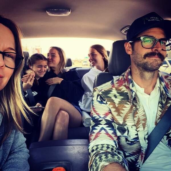 Jenny Garth (Beverly Hills) souhaite une bonne fête à David Abrams, le beau-père de ses trois filles
