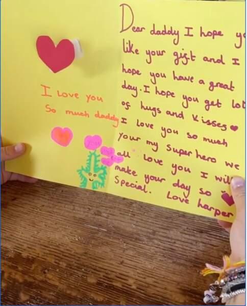 David Beckham a reçu une magnifique carte de sa fille Harper Seven. So cute !