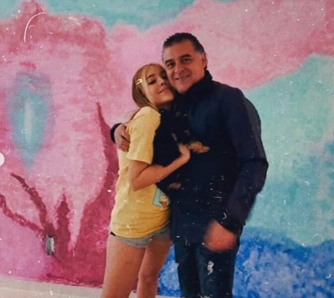 """Même à 24 ans, Dana Paola (Elite) est toujours """"la fille de son papa"""""""