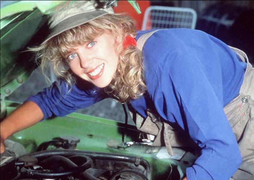 """Dans """"Neighbours"""" elle interpréte Charlene Mitchell un personnage de garagiste qui devient populaire notamment en Grande Bretagne"""