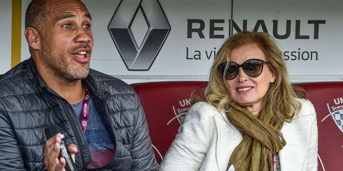 Valérie Trierweiler et Romain Magellan fêtent leurs vacances à la plage en tenues légères ! (PHOTO)