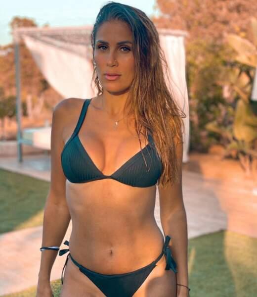 Wafa qui va bientôt se marier pose à Ibiza