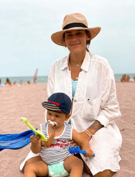 Jesta Hillmann emmène son fils Juliann pour la première fois à la plage