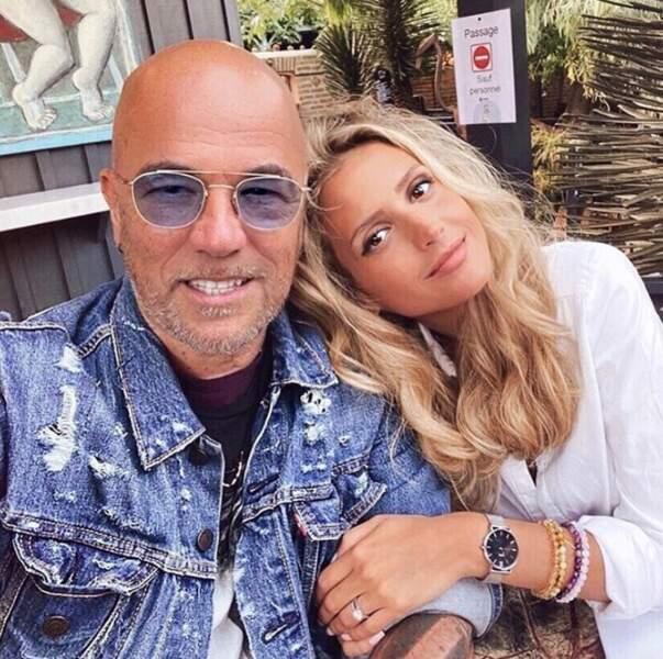 Photo en couple pour Pascal Obispo et sa femme Julie au Cap-Ferret.