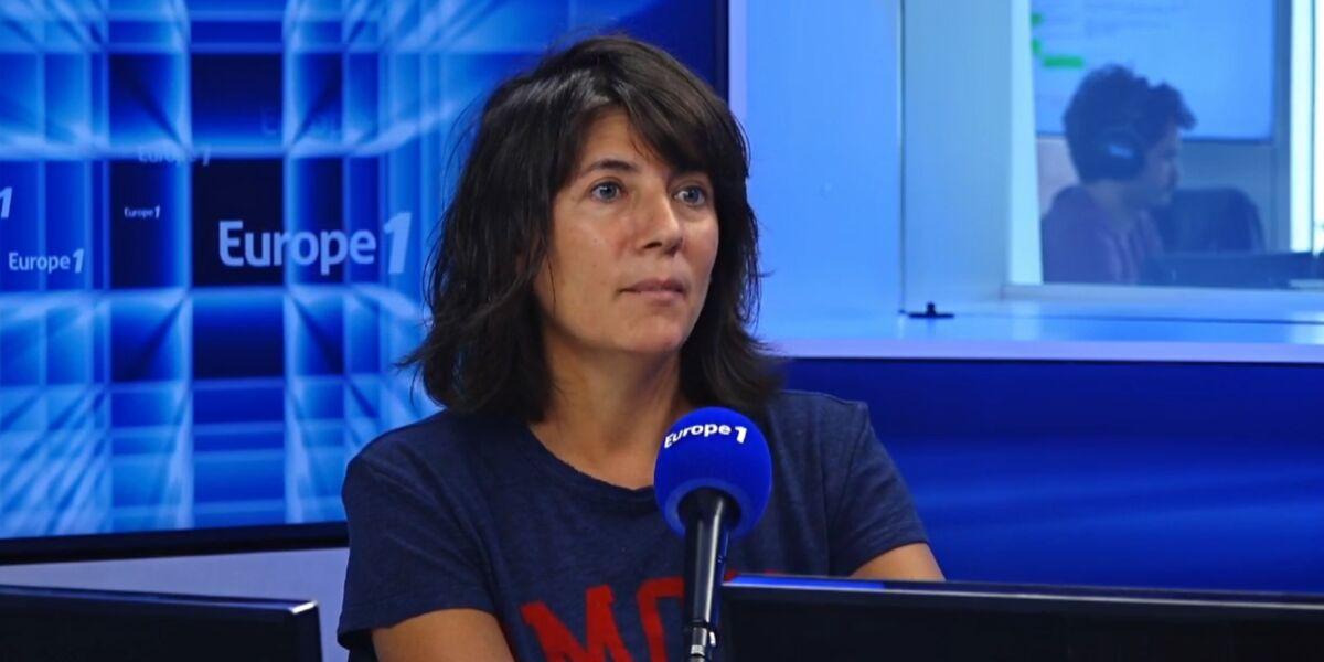 """Harcèlement et sexisme à Stade 2 : Estelle Denis s'interroge sur les licenciements annoncés, """"Est-ce qu'on vire quelqu'un pour ça ?"""" (VIDEO)"""