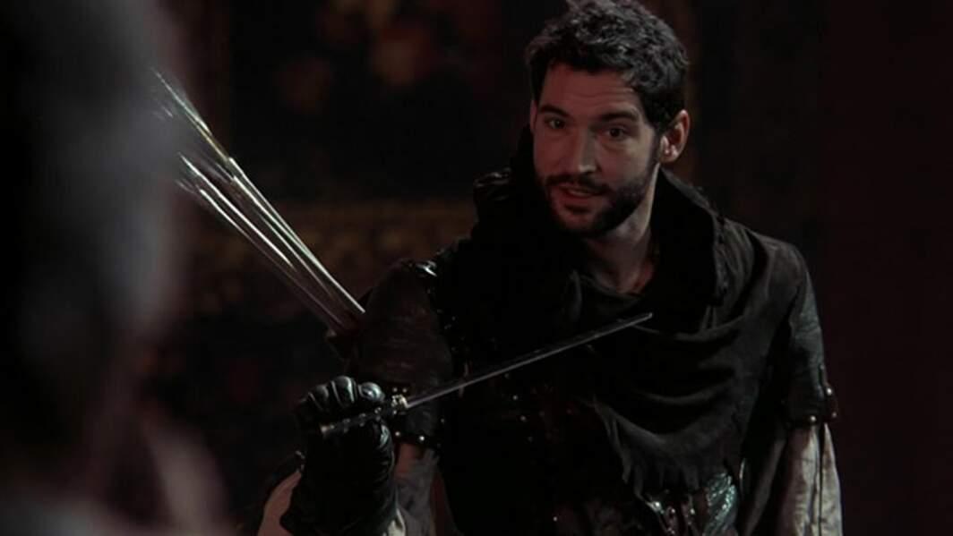 Avant d'incarner le diablement sexy Lucifer, Tom Ellis a joué Robin des Bois dans un épisode de la saison 2. Il a ensuite été remplacé par Sean Maguire